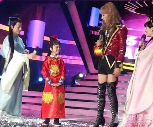 百变大咖秀第5季录制 何炅自曝得了怪病